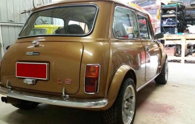 Nugget Gold Leyland Mini 1275 LS  9.JPG
