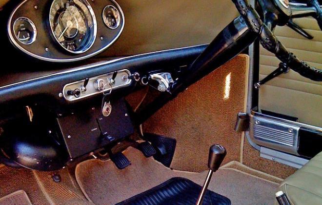 Parchment interior and belts MK1 Mini Morris COoper S 1.jpg