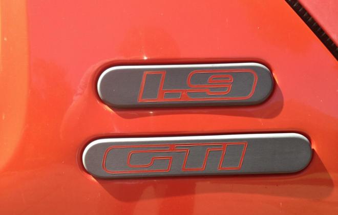 Peugeot 205 GTI 1.9l Phase 1 side badge.png