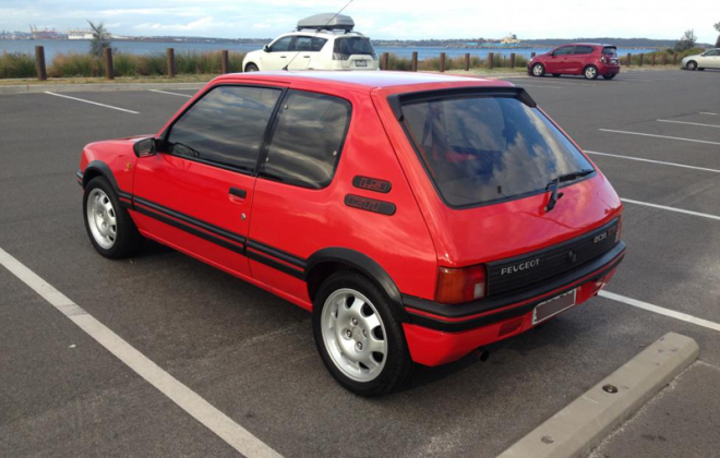 Peugeot 205 GTI Phase 1 Red 1.9l.png