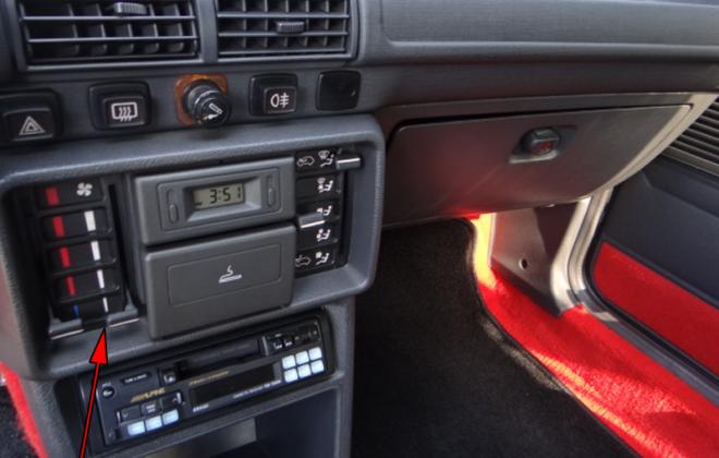 Peugeot 205 GTI Phase 1 sliding dash controls.png