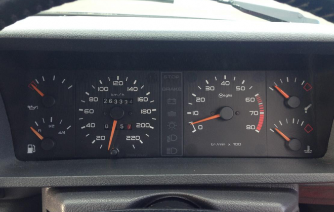 Peugeot 205 GTI phase 1 instrument cluster.png
