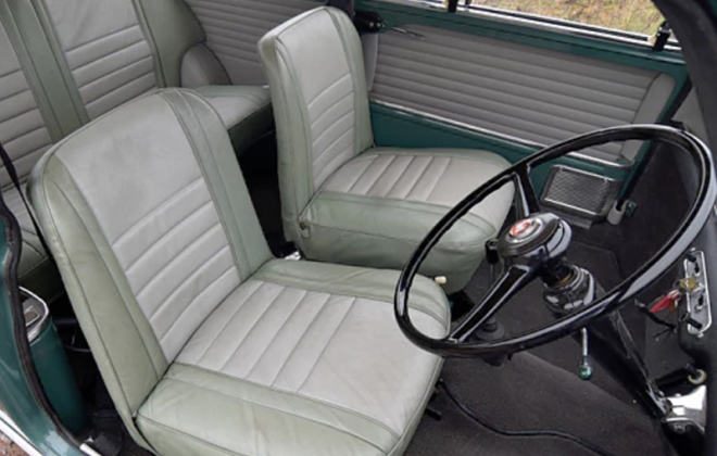 Porcelain Green and Dove Grey trim MK1 Mini Cooper S.png