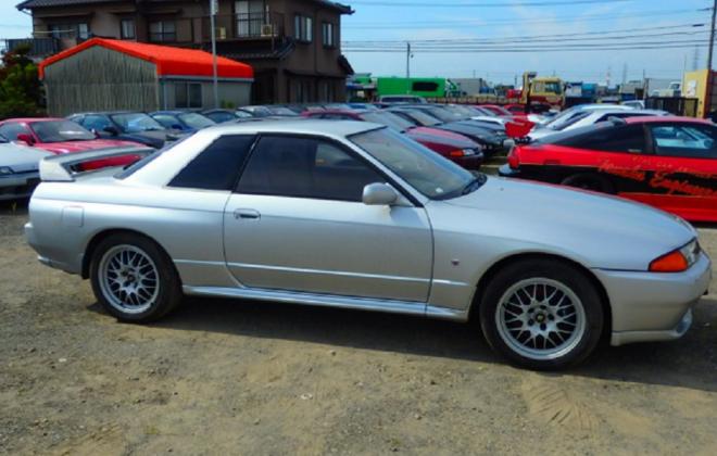 R32 GTR V-Spec II silver 1994 front side 1.png