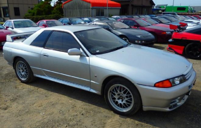 R32 GTR V-Spec II silver 1994 front side 4.png