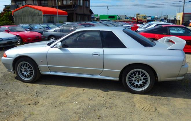 R32 GTR V-Spec II silver 1994 front side.png