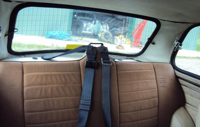Rear seat Nugget Gold Leyland Mini 1275LS.jpg