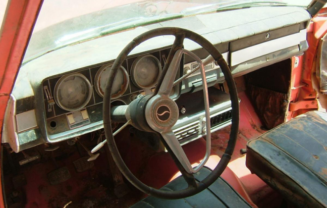 Red Daytona Sport Sedan Studebaker 5 interior unrestored.png