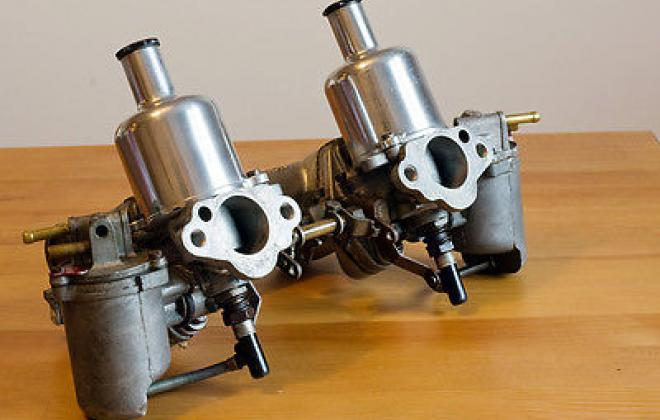 SU Carburetters HS2 1 and a quarter twin.jpg