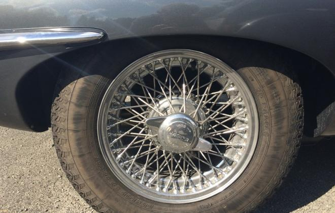 Series 1 E-Type Jaguar XK-E wheel nut spin on wing (2).JPG