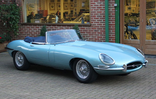 Series 1 E-Type Jaguar XKE  Opalescent Silver Blue.png