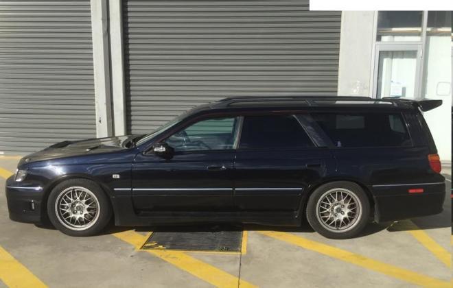 Series 1 Stagea dark bluish black KJ6 3.jpg