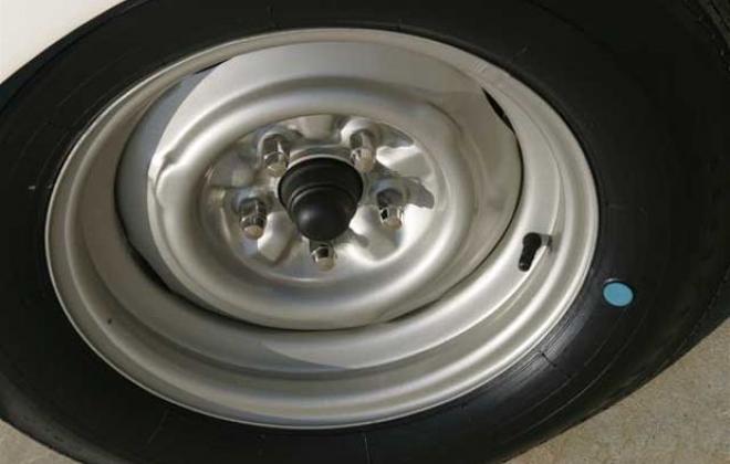 Shelby GT 350 steel wheels 1965.jpg