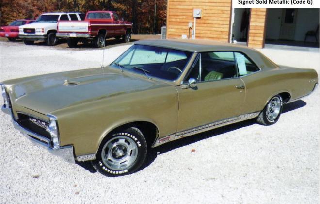 Signet Gold Metallic 1 1967 Pontiac GTO 2.jpg