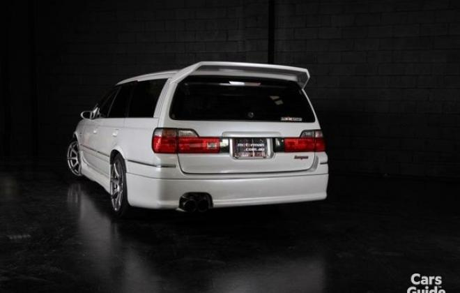 Silky Snow Pearl White Nissan Stagea 260RS (1).jpg