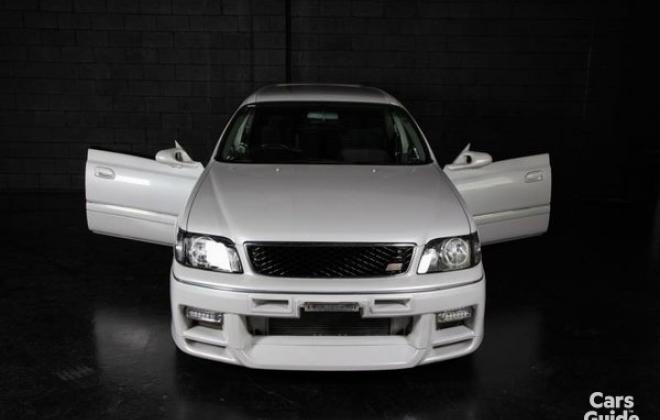 Silky Snow Pearl White Nissan Stagea 260RS (6).jpg