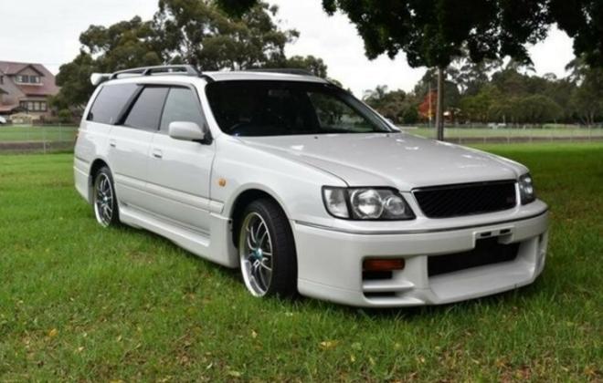 Silky Snow Pearl White Nissan Stagea 260RS 1998 series 1 model white NSW Australia (15).png
