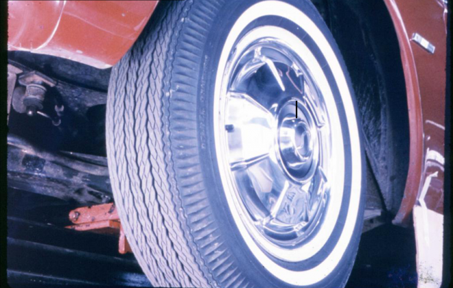 Studebaker Daytona Sports Sedan factory image of wheels and tyres 1965.png