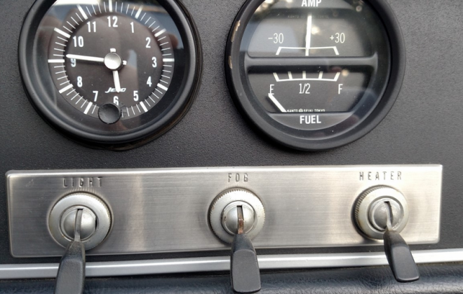 Switches Datsun 2000 fairlady.png