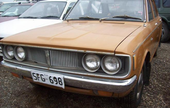 Toyota Corona 1971 Front lights and grille.jpg