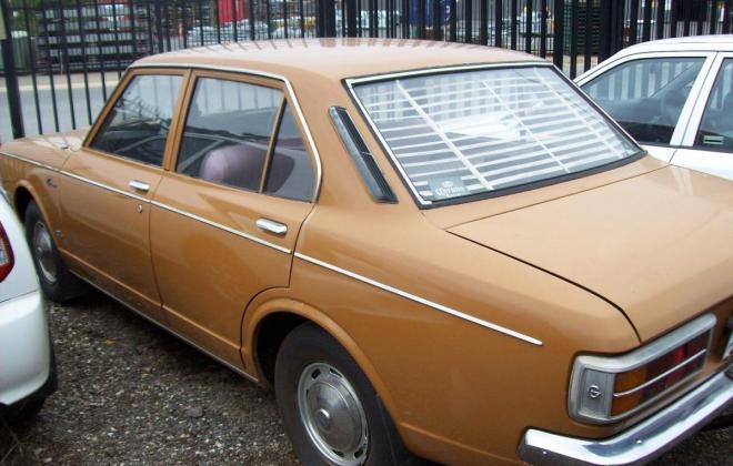 Toyota Corona 1971 Side.jpg