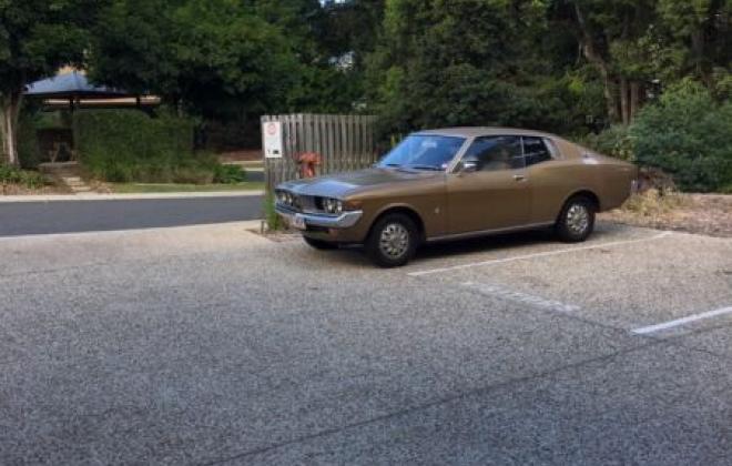 Toyota Corona MK2 coupe 1974 Gold Metallic images (8).JPG