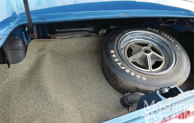 Trunk 1967 SHelby GT 500.jpg