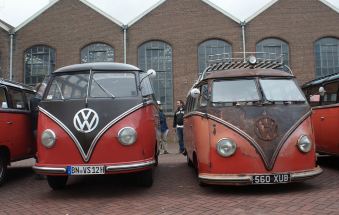 VW Samba Bus front.png