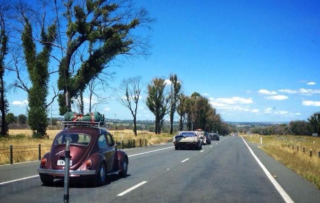VW beetle 1600 on the road.jpg