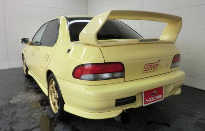 Version 6 sedan yellow.jpg