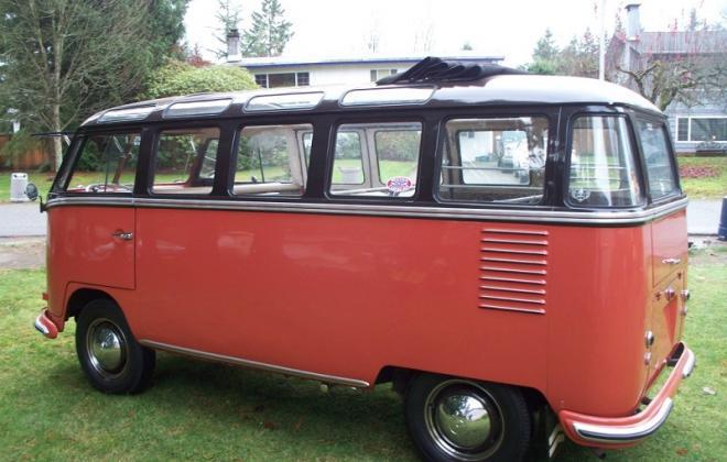 Volkswagen Deluxe Microbus Samba 1955 - 1958 chesnut brown over sealing wax red (3).jpg