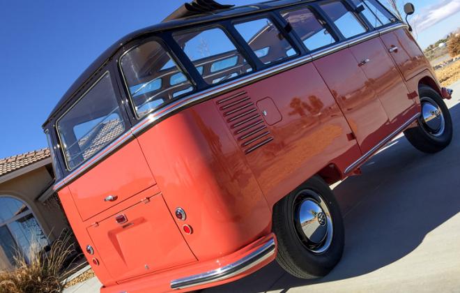 Volkswagen Deluxe Microbus Samba 1955 - 1958 chesnut brown over sealing wax red (6).jpg