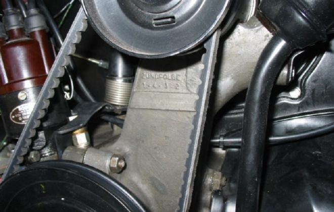 Volkswagen Deluxe Microbus engine compartment block features (2).jpg
