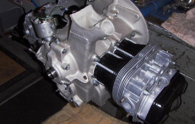 Volkswagen Deluxe Microbus engine compartment block features (5).jpg