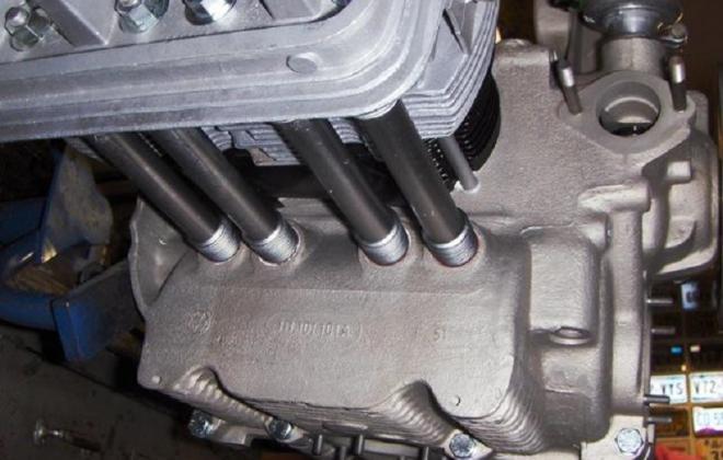 Volkswagen Deluxe Microbus engine compartment block features (6).jpg