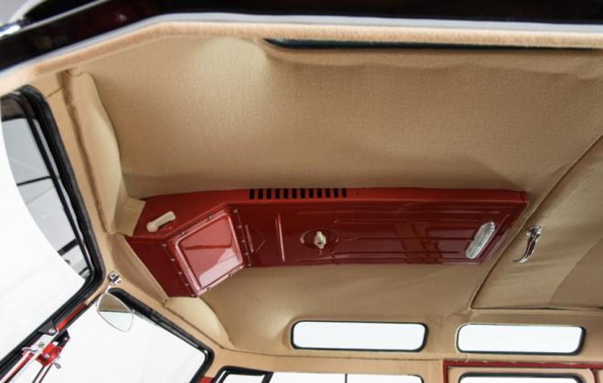 Volkswagen Deluxe Microbus interior samba (1).png