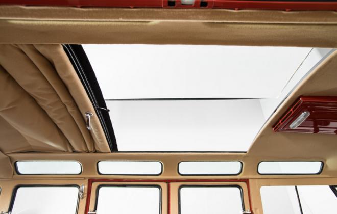 Volkswagen Deluxe Microbus interior samba (2).png