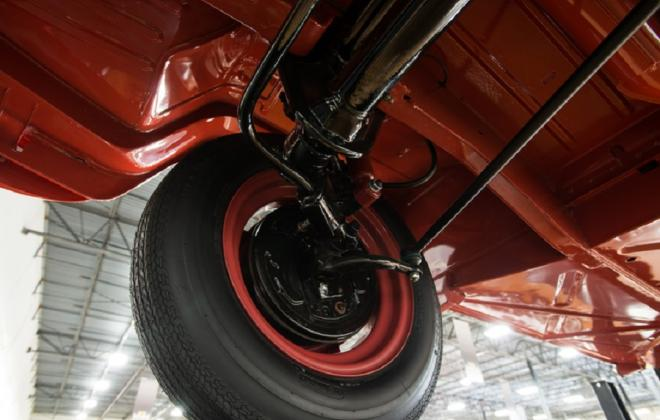Volkswagen Deluxe Microbus under car brakes images suspension (2).jpg