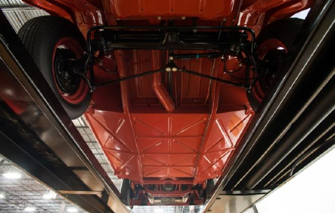 Volkswagen Deluxe Microbus under car brakes images suspension (3).jpg