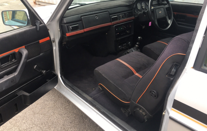 Volvo 242 GT RHD interior images.png