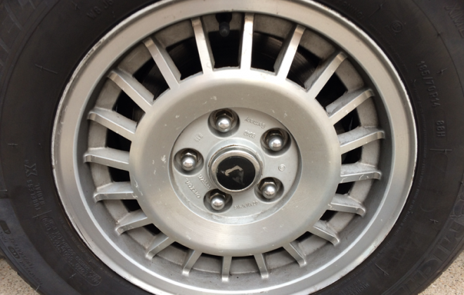 Volvo 242 GT alloy wheelks 20 spoke 14 inch.png