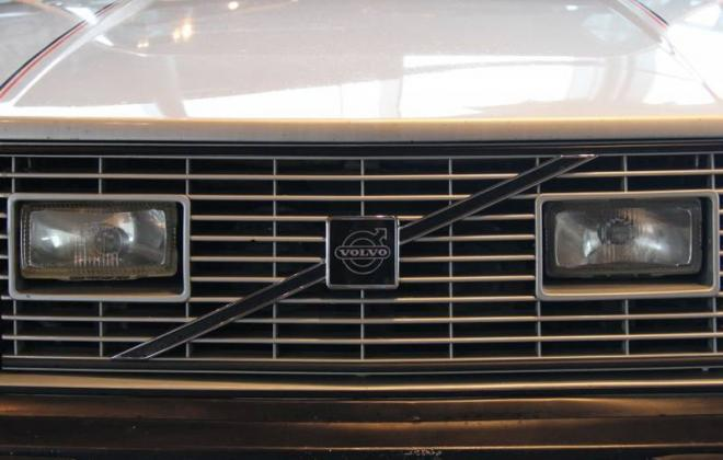 Volvo 242 GT front grille and foglights image.jpg