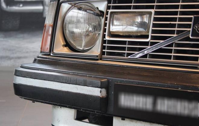 Volvo 242 GT headlight headlamp wipers image copy.png