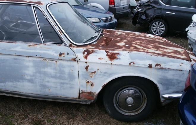 White BMW 2000CS coupe 1967 images (7).jpg