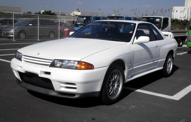 White R32 GTR V-Spec I (1).jpg