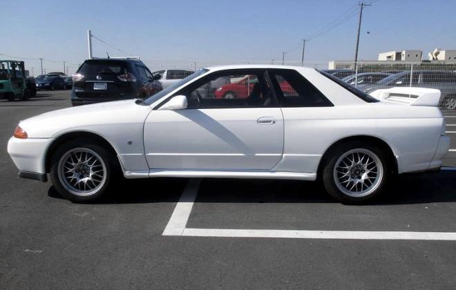 White V-Spec II Nissan R32 GTR 3 3.jpg