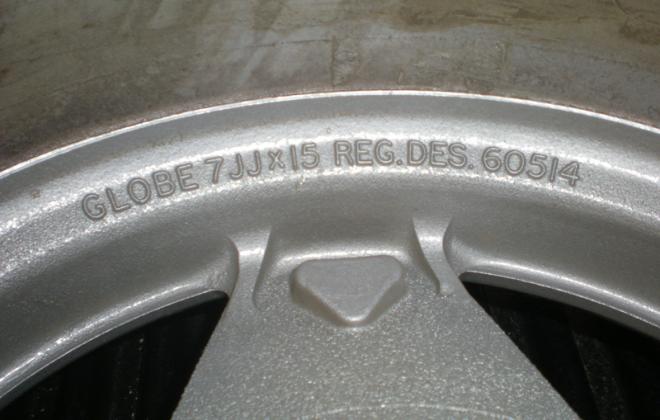 XD ESP Bathurst Globe 15 inch wheels casting marks.png