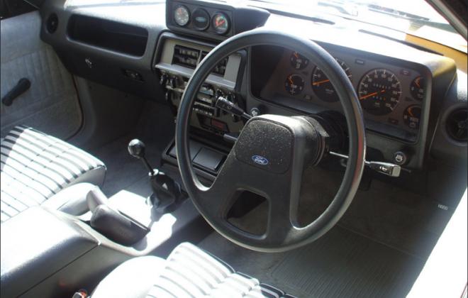 XD Ford ESP dashboard steering wheel (2).png