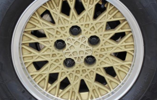 XE ESP Fairmont Ghia snowflake wheel image.png