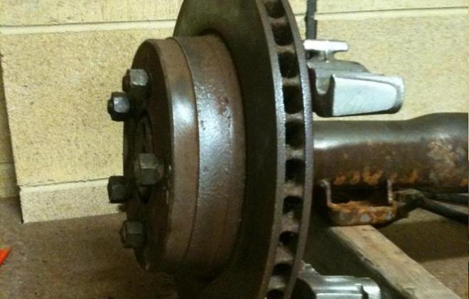 XE Falcon rear ventilated disc brakes (2).jpg